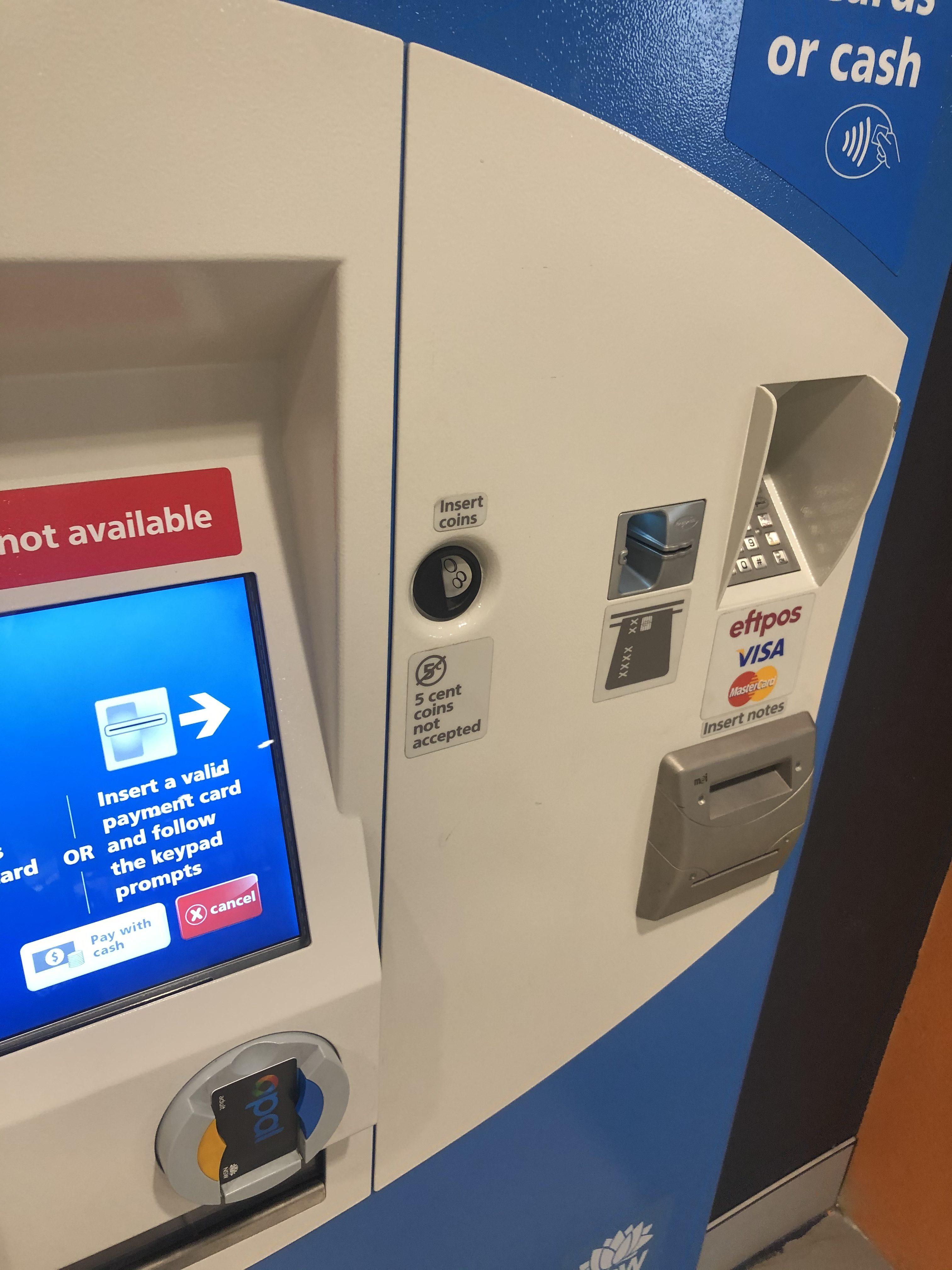 現金もしくはカードで支払い