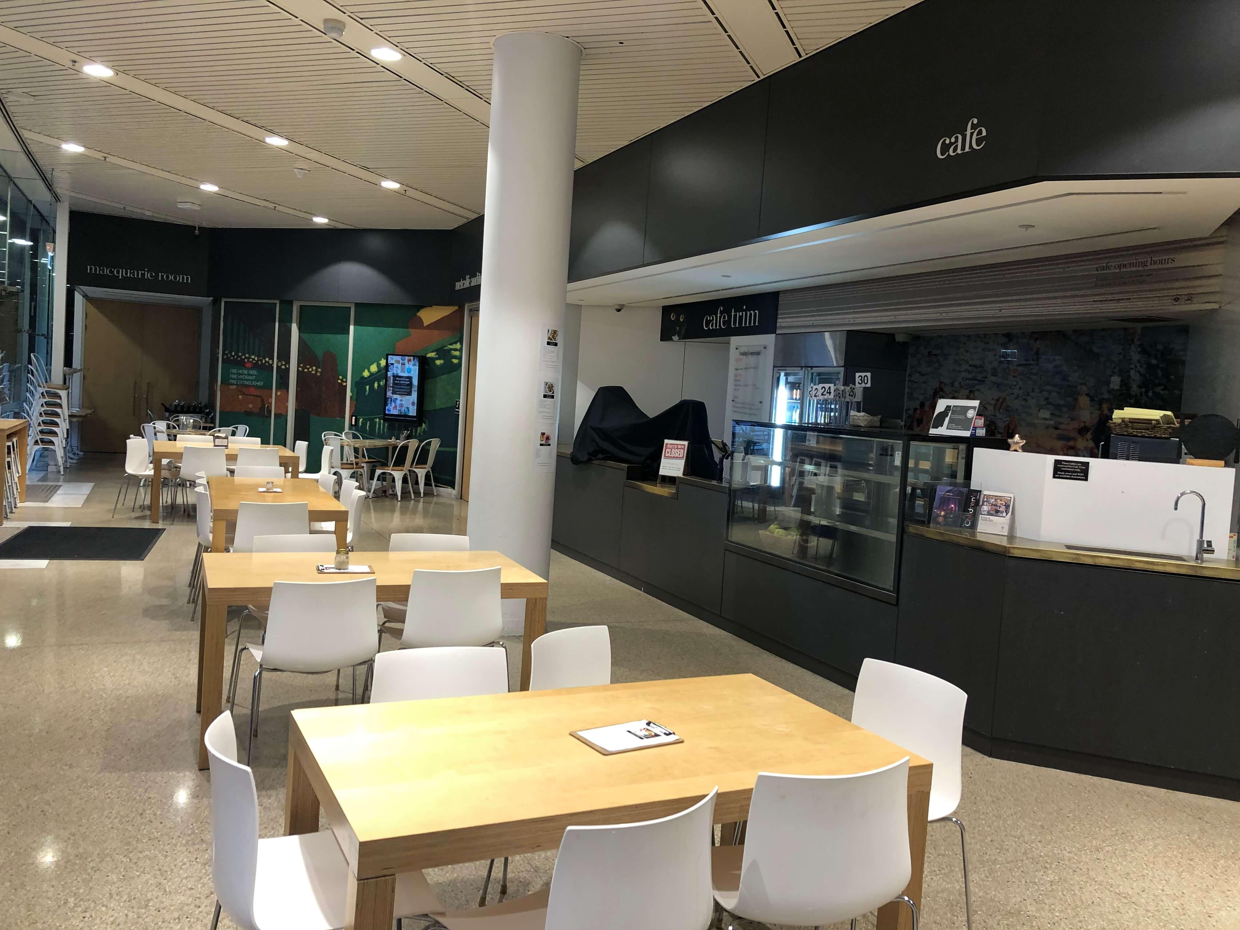 シドニー州立図書館の新館のカフェ