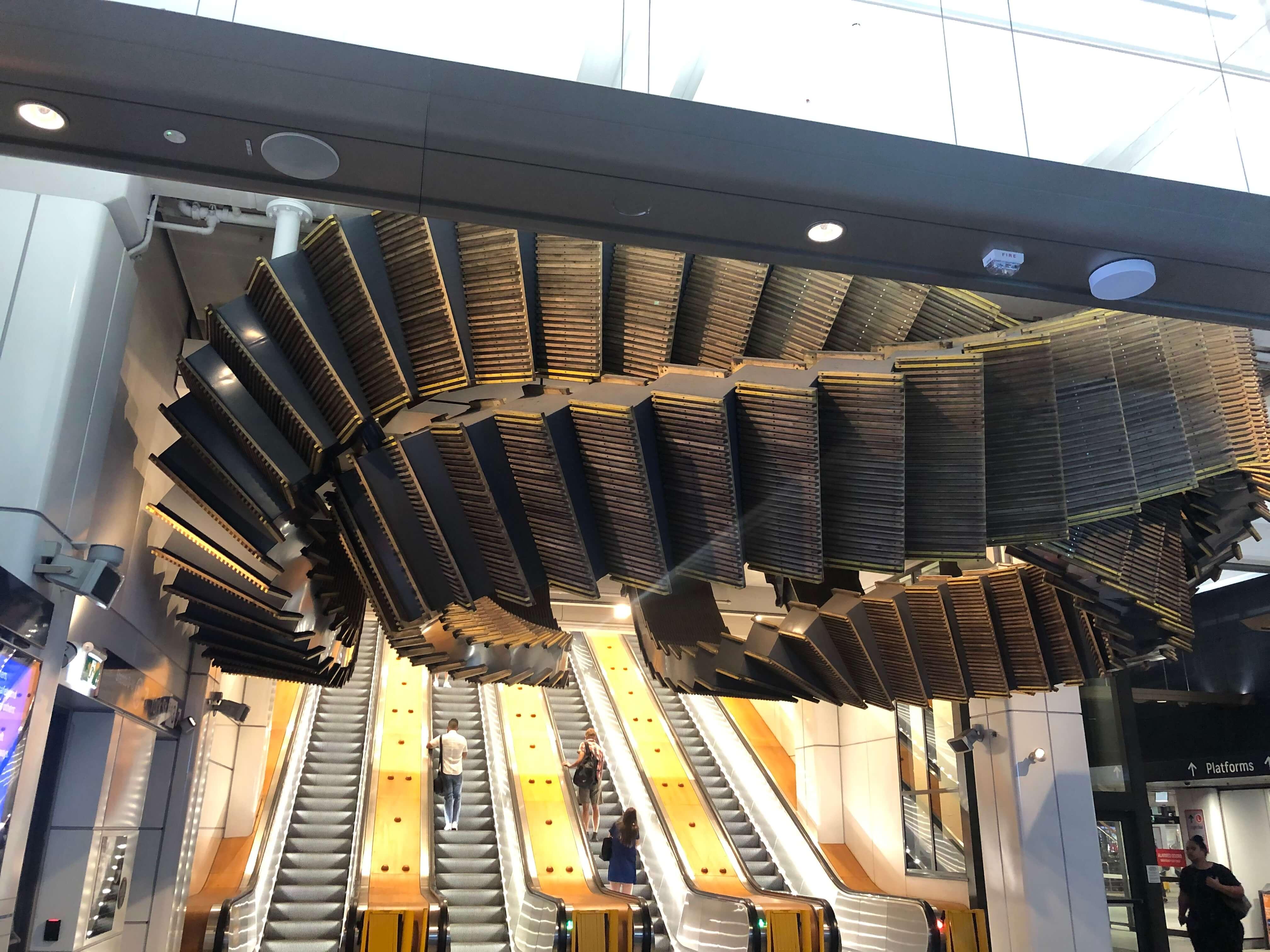ウィンヤード駅の木製のエスカレーター
