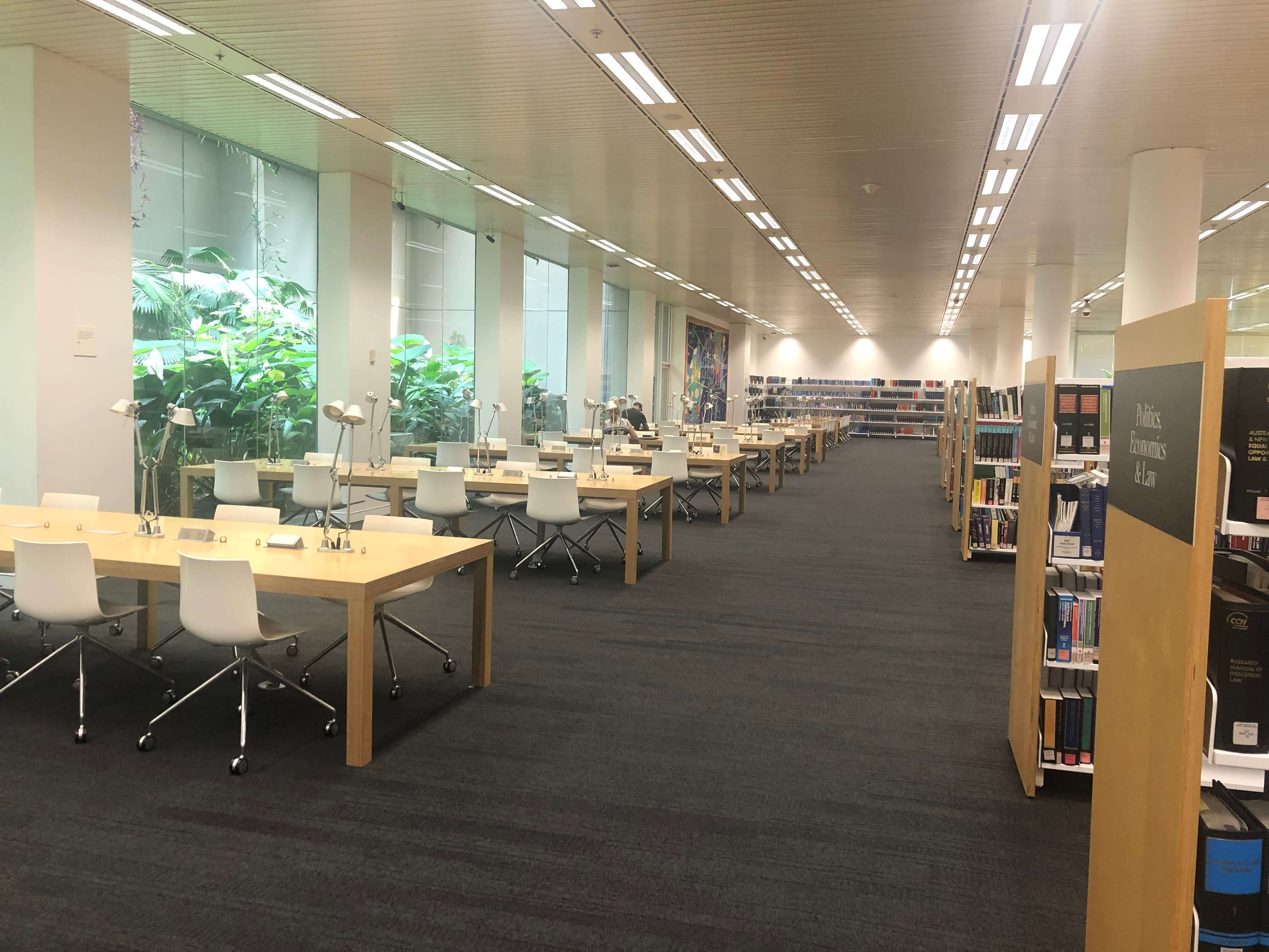 シドニー州立図書館の新館の地下